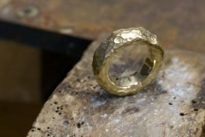 Ring_geschmiedet_Gold_ringlein-shop