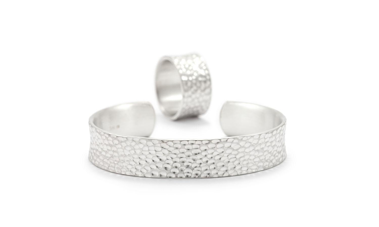 Schmuckserie MADO aus Silber, Armreif und Ring