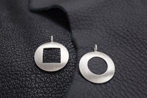 runde Anhänger aus Silber mit Leder JILL