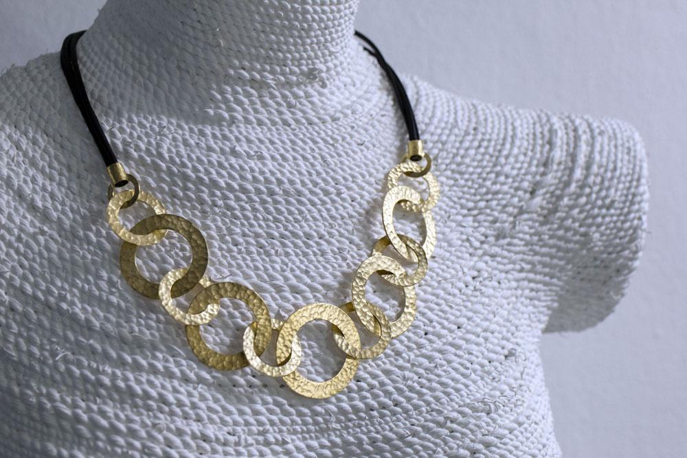 Collier angefertigt aus Altgold