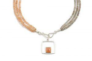 apricot und graufarbenen mehrreihige Mondsteinkette mit Anhänger