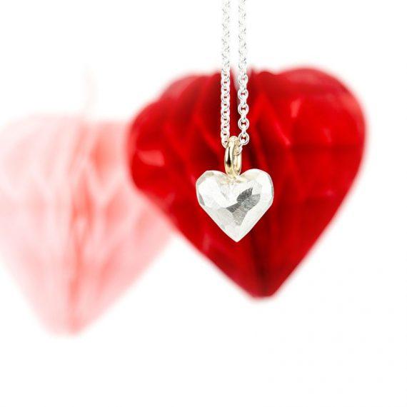 Anhänger Herz mit Facetten