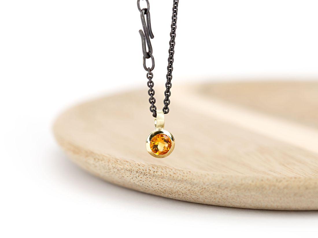 kleiner Citrinanhänger Gold mit Silberkette geschwärzt